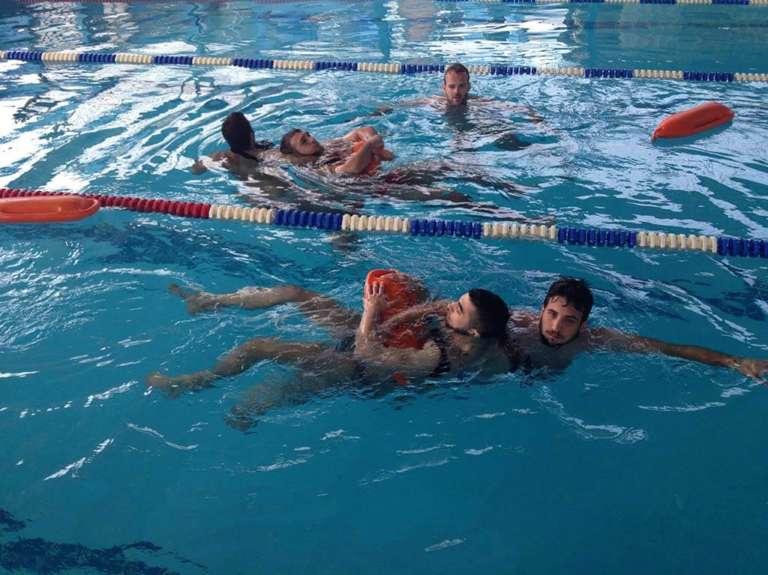 πισίνα 2